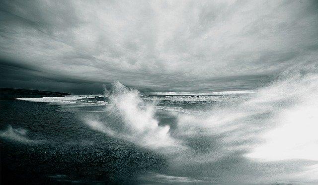 Avviso di condizioni meteorologiche avverse per vento e mareggiate – 14 e 15 Gennaio